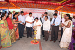 Educationist Dr. Wooday P. Krishna along with Mayor of Bruhat Bengaluru Mahanagara Palike Smt. Shanthakumari at the Mega Voluntary Blood Donation Festival organized under the aegis of Seshadripuram Group of Institutions, Bengaluru, 2015.