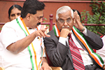 Educationist Dr. Wooday P. Krishna with Justice V. Gopalagowda, former Judge, Supreme Court of India at the Republic Day celebrations of Seshadripuram Group of Institutions, Bengaluru, 2017.