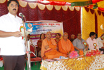 Speaking at a Seminar organised for College Teachers at Badarikashrama, Turuvekere Taluk, along with Swami Muktidananada and Swami Omkaranandaji.