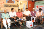 With Jnanpith Awardee Dr. Chandrashekar Kambar, Cricketer Anil Kumble and Environmentalist Suresh Heblikar at Fund Mobilization Drive for North Karnataka Flood Victims, Bengaluru, 2008